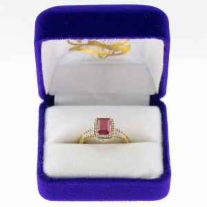 Athena ring yellow gold ruby front view