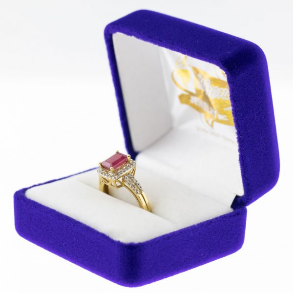 Athena ring yellow gold ruby side view